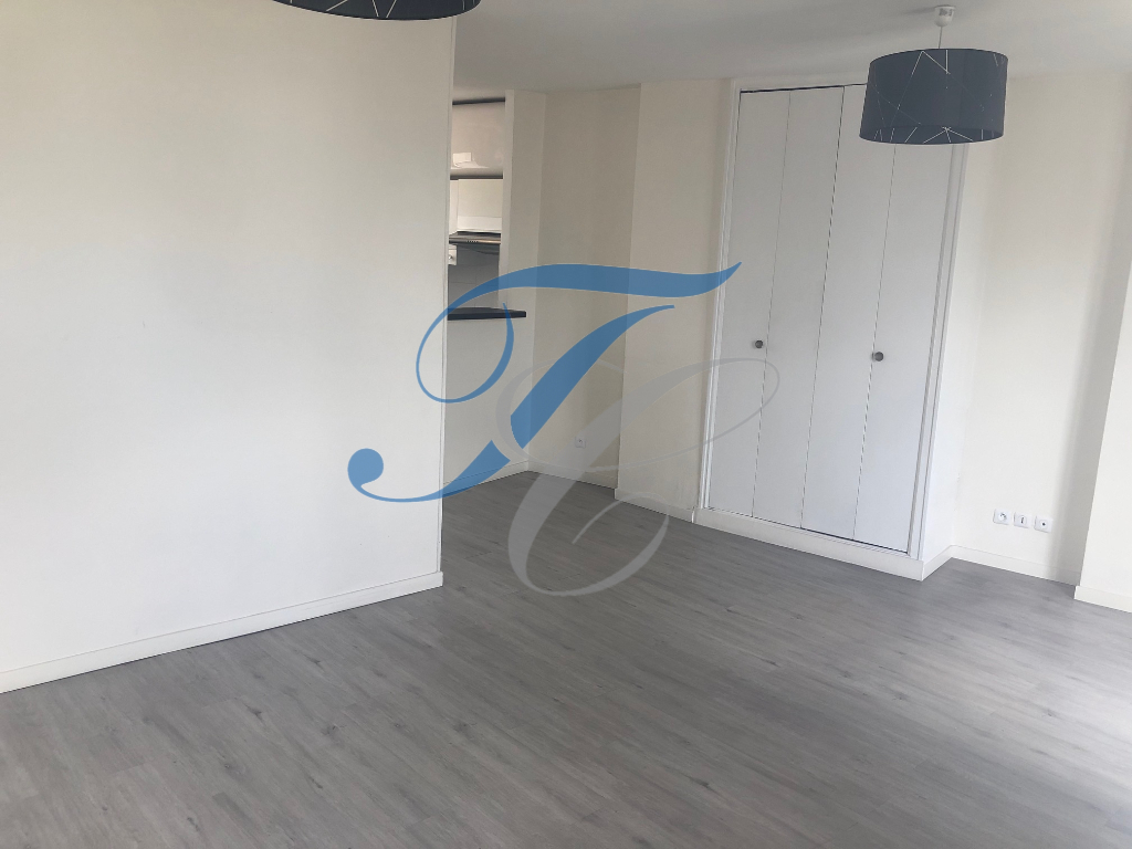 APPARTEMENT PARIS 05 - STUDIO - 27.18 m2 2/6
